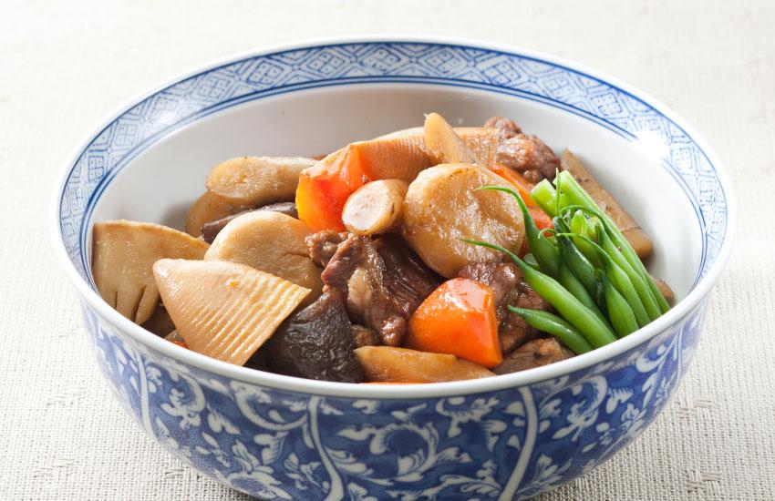 豚肉と野菜の いしり風味炒め煮